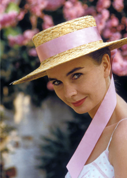 jean_simmons_wearing_straw_hat