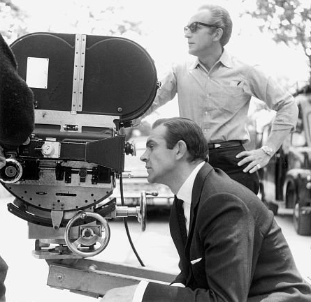 goldfinger_sean_connery_'filming'_on_location