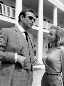 goldfinger_sean_connery_in_sunglasses_and_honor_blackman_on_location_between_takes