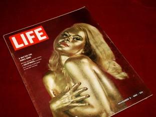 goldfinger_shirley_eaton_on_the_cover_of_life_magazine_november_6_1964_2