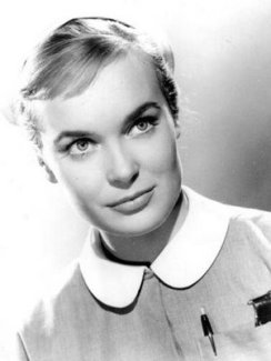 shirley_eaton_carry_on_nurse