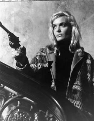 shirley_eaton_ten_little_indians