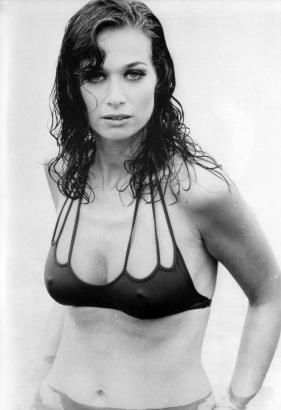 valerie_leon_bikini_publicity_shot_for_the_spy_who_loved_me_2