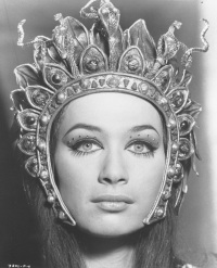valerie_leon_blood_from_the_mummy's_tomb_face_and_head-dress