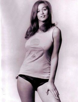 valerie_leon_in_clover-patterned_t-shirt
