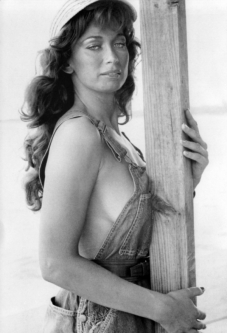 valerie_leon_never_say_never_again_publicity_shot_b_&_w