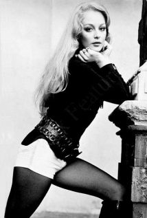 jenny_hanley_in_white_shorts_and_tights