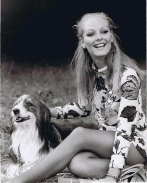 jenny_hanley_with_dog
