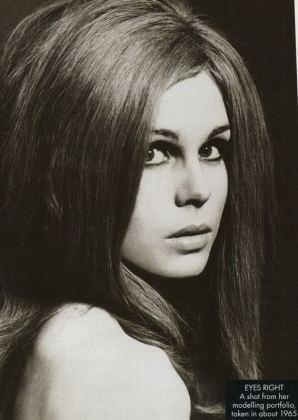 joanna_lumley_in_1965