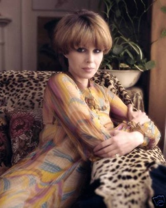 joanna_lumley_in_purdy_haircut