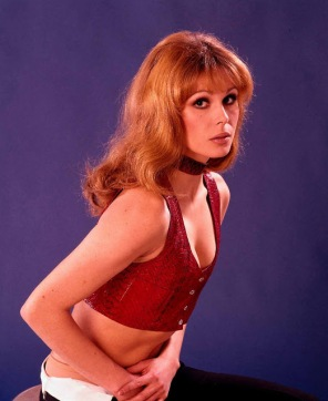 joanna_lumley_in_red_top_and_choker
