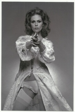 joanna_lumley_the_new_avengers_publicity_shot_5