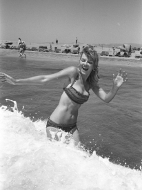 julie_ege_in_a_bikini_frolicking_in_the_sea