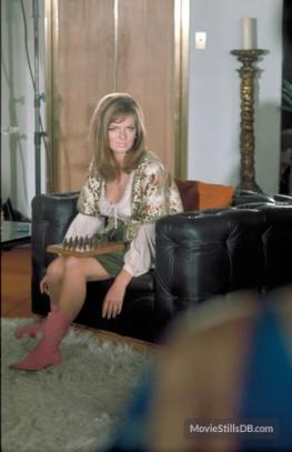 julie_ege_posing_on_set_of_on_her_majesty's_secret_service