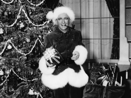 white_christmas_bing_crosby_dressed_as_santa_claus