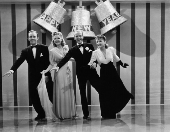 white_christmas_bing_crosby_marjorie_reynolds_fred_astaire_and_virginia_dale_in_holiday_inn