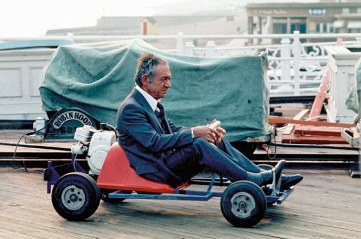 sid_james_go_kart_on_brighton_pier_carry_on_girls