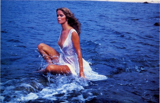 barbara_bach_posing_in_the_sea