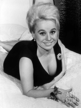 barbara_windsor_black_dress