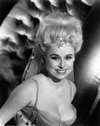 barbara_windsor_carry_on_spying_publicity_shot_3