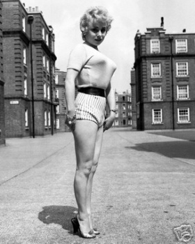barbara_windsor_posing_on_the_street
