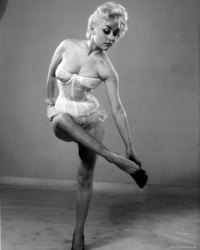 barbara_windsor_young_white_lingerie
