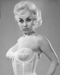 barbara_windsor_young_white_lingerie_2