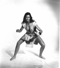 caroline_munro_posing_with_knife