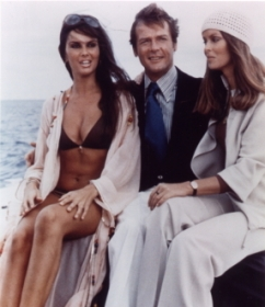 caroline_munro_roger_moore_and_barbara_bach_the_spy_who_loved_me