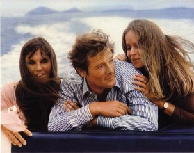 caroline_munro_roger_moore_and_barbara_bach_the_spy_who_loved_me_3
