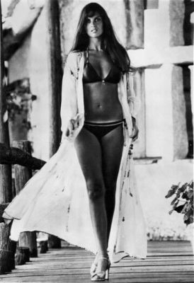 caroline_munro_the_spy_who_loved_me_on_location_3