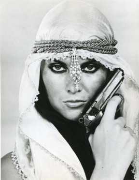 caroline_munro_the_spy_who_loved_me_pose_with_pistol_3