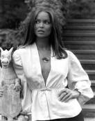 barbara_bach_and_her_dragon