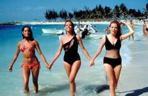claudine_auger_martine_beswick_and_luciana_paluzzi_thunderball_walking_in_the_sea