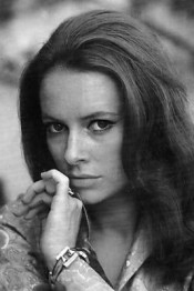 luciana_paluzzi_holding_hand_to_mouth