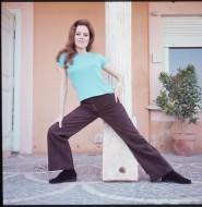 luciana_paluzzi_stretching
