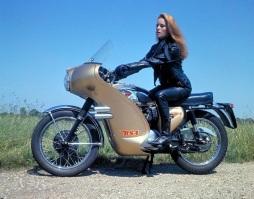 luciana_paluzzi_thunderball_black_leathers_and_motorbike