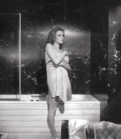 luciana_paluzzi_thunderball_getting_out_of_bath