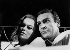 luciana_paluzzi_thunderball_in_bed_with_sean_connery_5