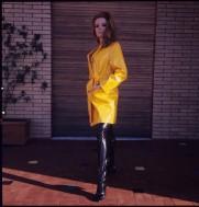 luciana_paluzzi_yellow_mack_4