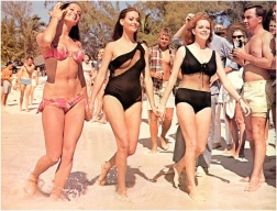 martine_beswick_claudine_auger_and_luciana_paluzzi_thunderball_parading_in_front_of_holidaymakers