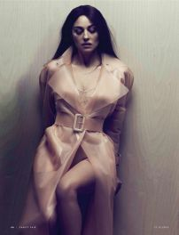 monica_bellucci_in_pink_perspex_raincoat