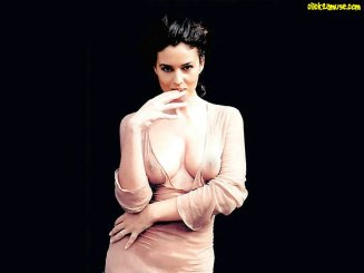 monica_bellucci_in_wet_top