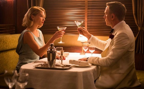 spectre_review_daniel_craig_and_lea_seydoux
