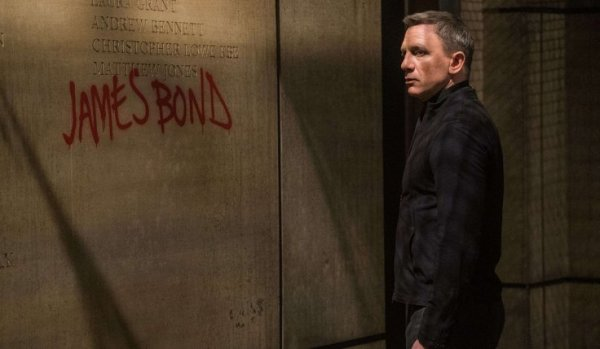 spectre_review_graffiti_in_mi6_hq