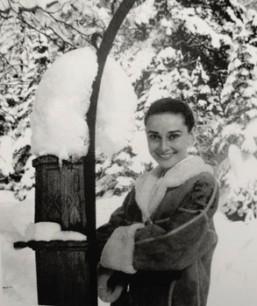 audrey_hepburn_snow_4