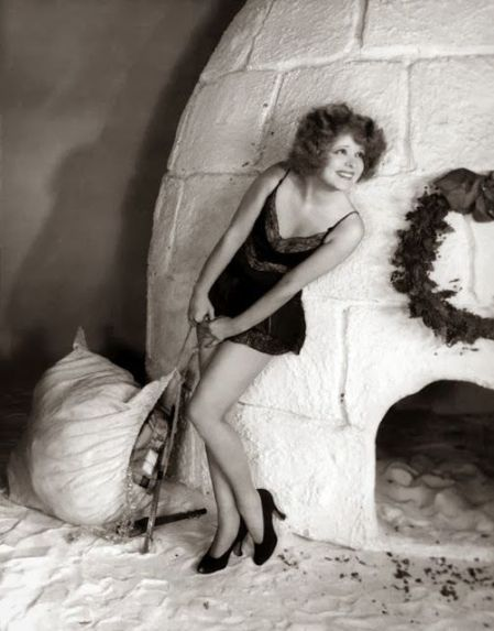 clara_bow_and_her_igloo