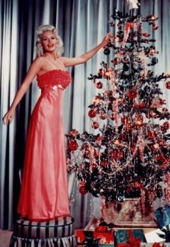 jayne_mansfield_and_her_christmas_tree