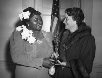 oscars_hattie_mcdaniel_and_fay_bainter_1940