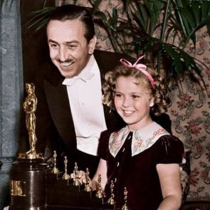 oscars_snow_white_and_the_seven_dwarfs_walt_disney_and_shirley_temple_1938